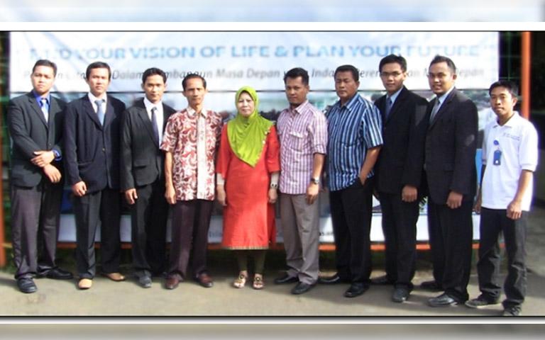 rainer al Kahfi pengisi acara Character Building di SMAN 28 Jakarta Selatan