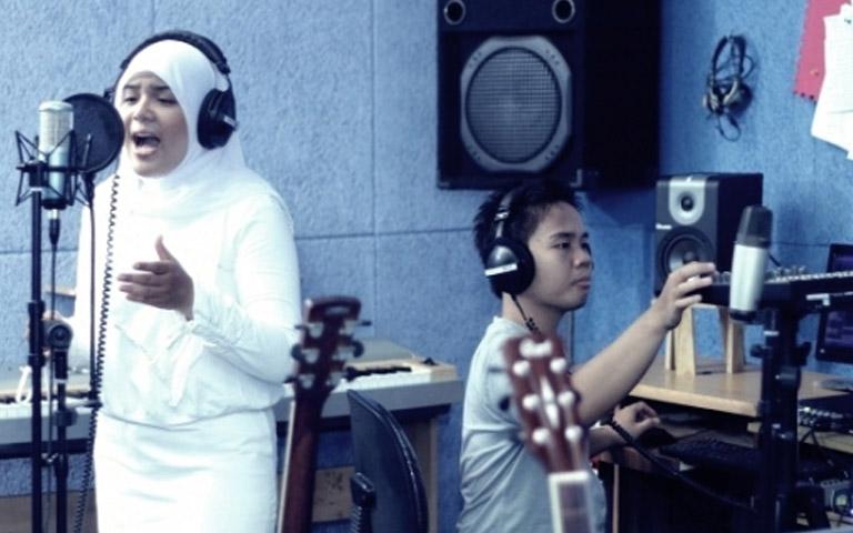 Suasana rekaman album terbaru Alkahfinita
